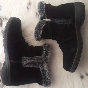 Khombu black suede leather boots NIB